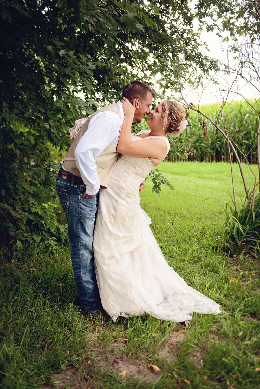beautiful-minnesota-wedding-couple-portraits