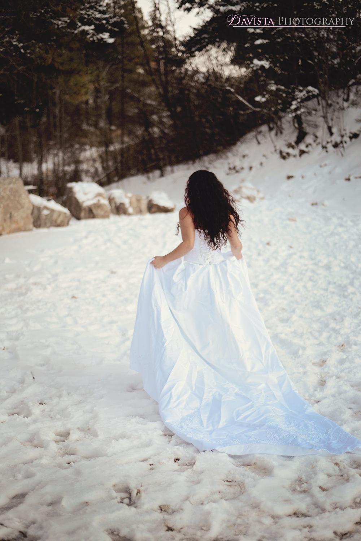 fun-unique-bridal-portraits-in-the-snow-davista