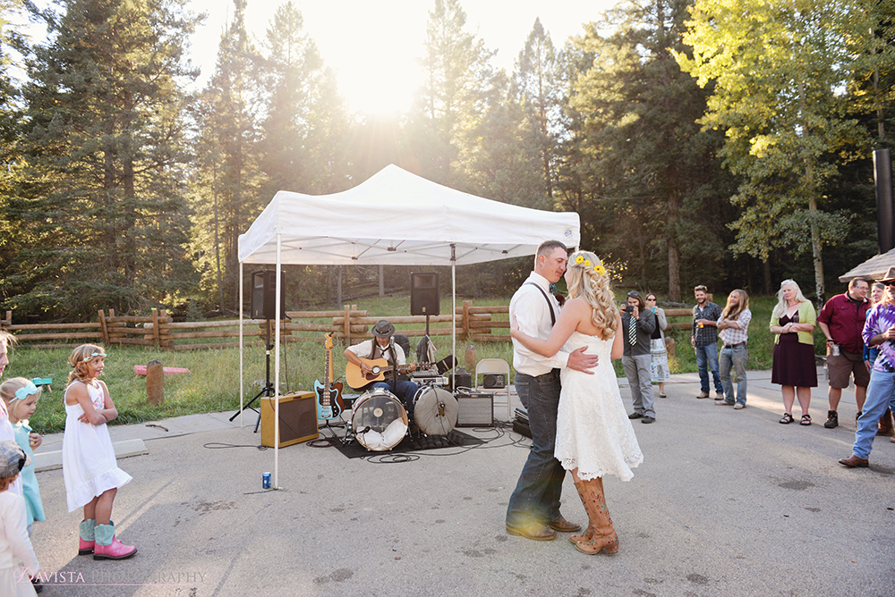 first-dance-photography-outdoor-cloudcroft-wedding-bri