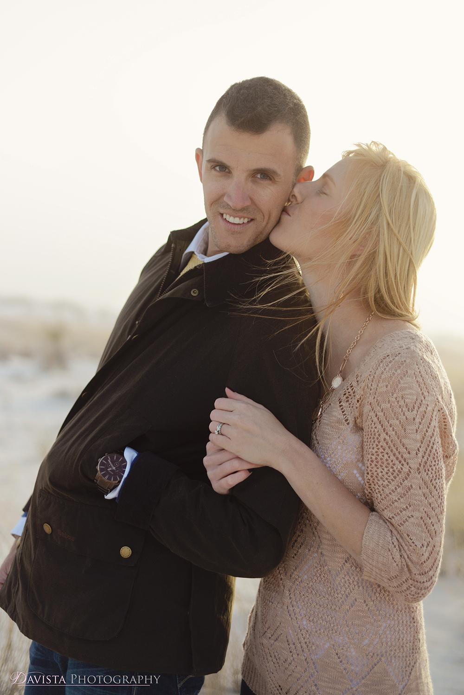 couples-at-white-sands-posing-jennifer