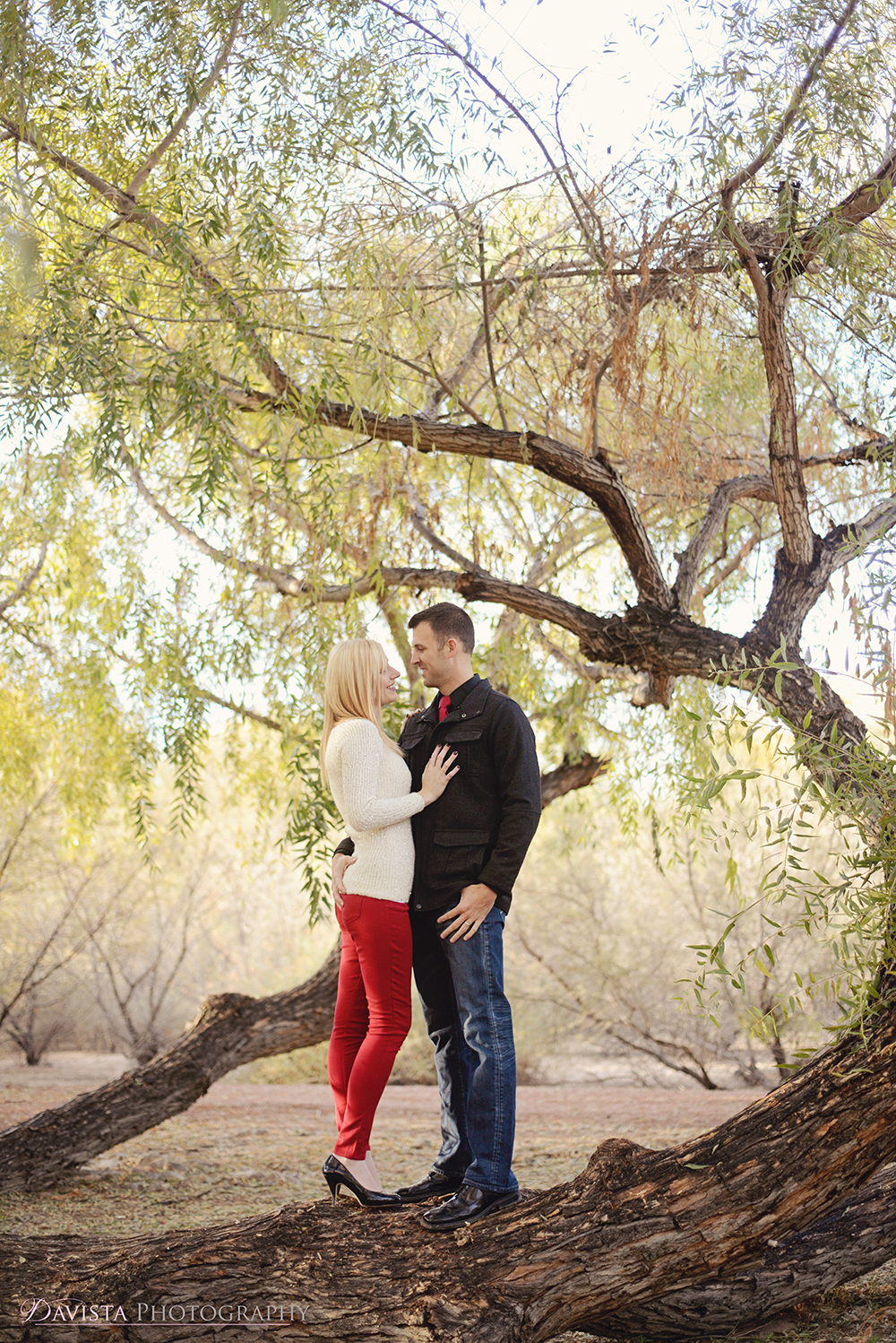 wetlands-tree-engagement-session-photography-dustin