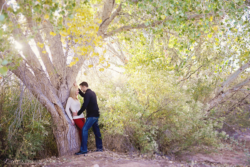 las-vegas-couples-posing-photographer-jennifer