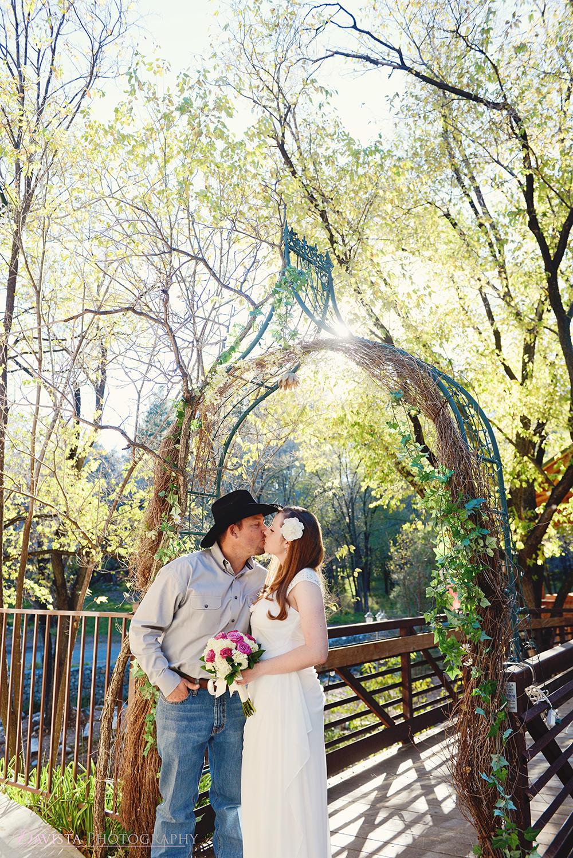 sanctuary-on-the-river-weddings-davista-toni