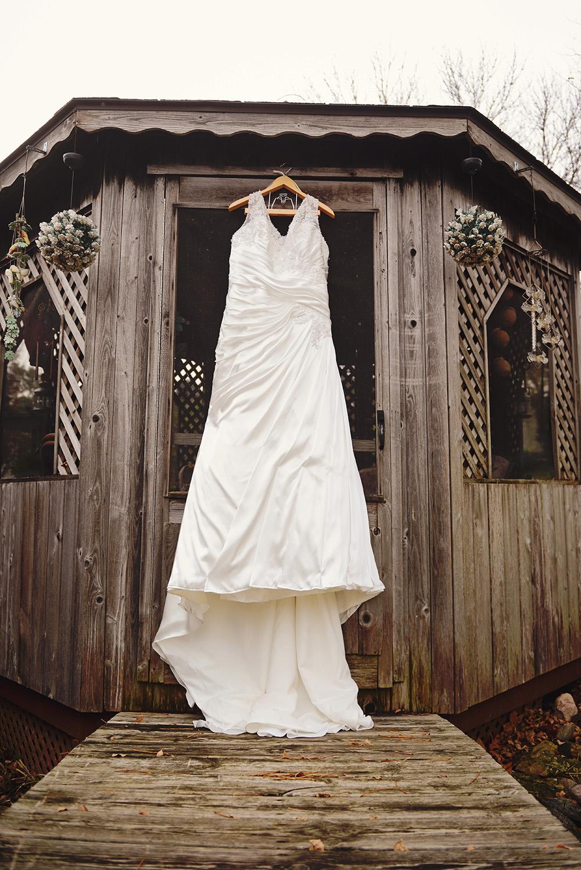 long-wedding-dress-goodhue-minnesota