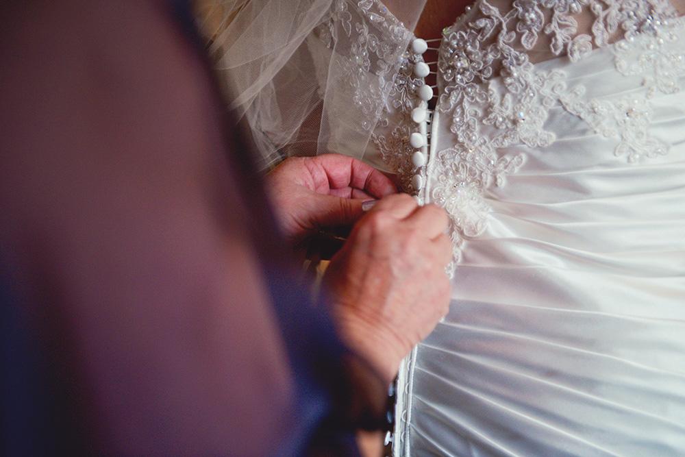 wedding dress-details-cassie-red-wing