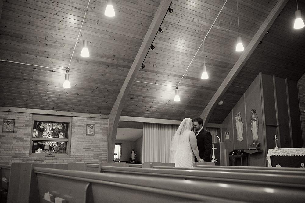 goodhue-minnesota-wedding-ceremony-first-look