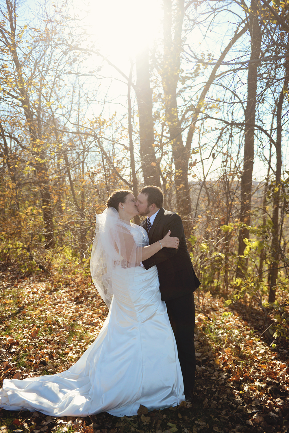 bride-and-groom-portraits-memorial-hill-redwing