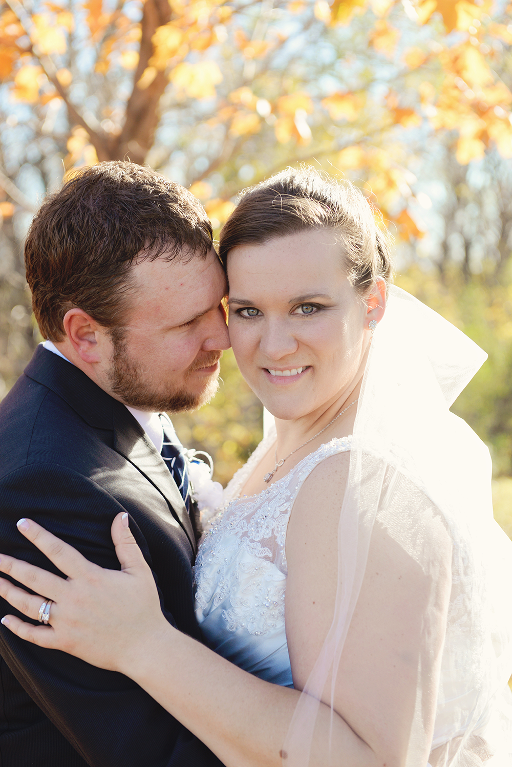 bride-and-groom-memorial-hill-red-wing-minnesota-portraits