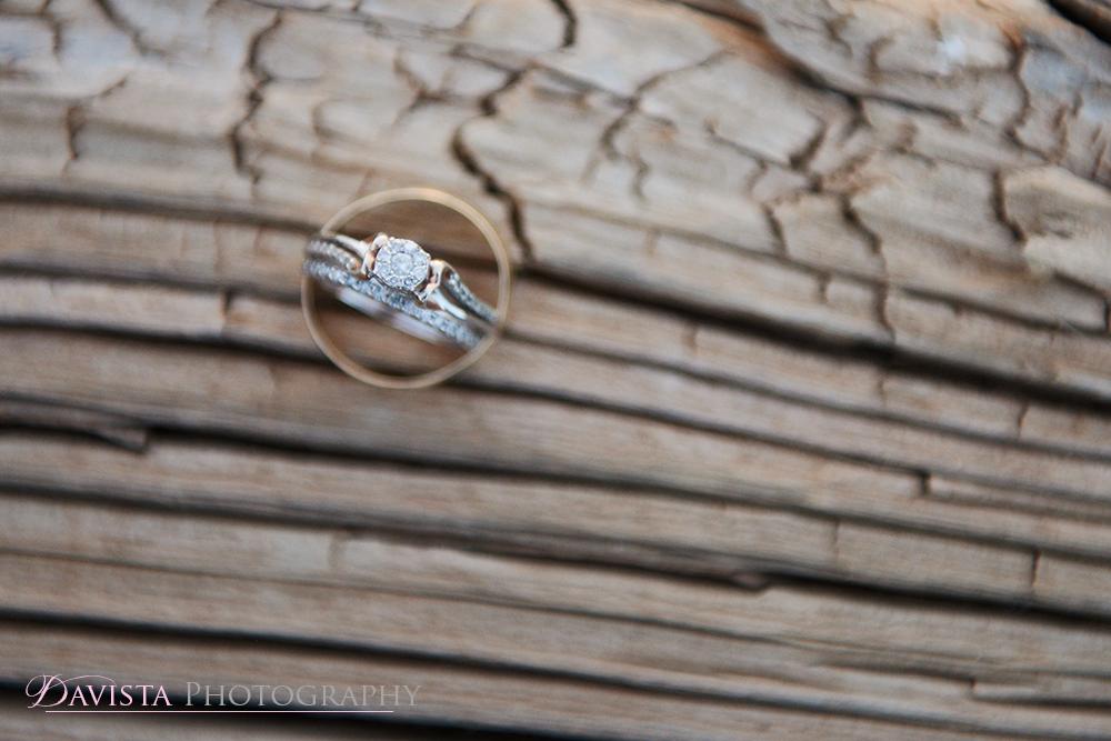 wedding-rings-macro-vintage