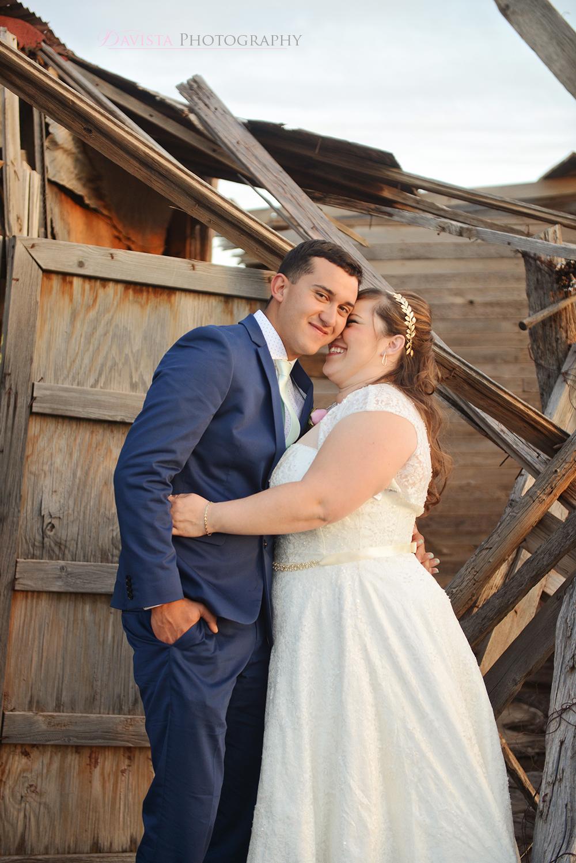 cute-couples-poses-el-paso-desert-sunset-portraits