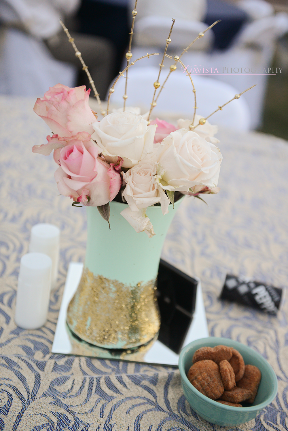 center-pieces-mint-and-gold-decor-wedding