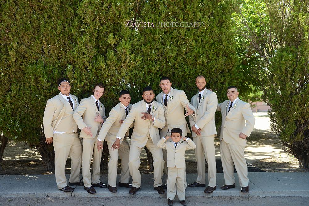 new-mexico-true-wedding-party-outdoor-photos