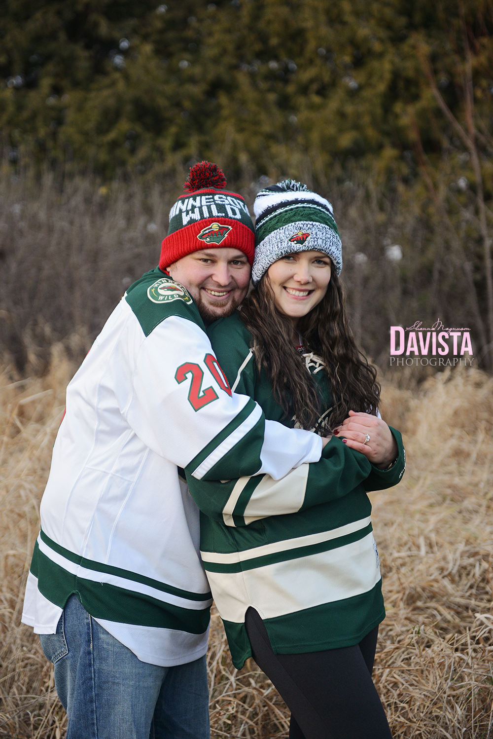 MN-wild-hockey-fans-engaged-couple