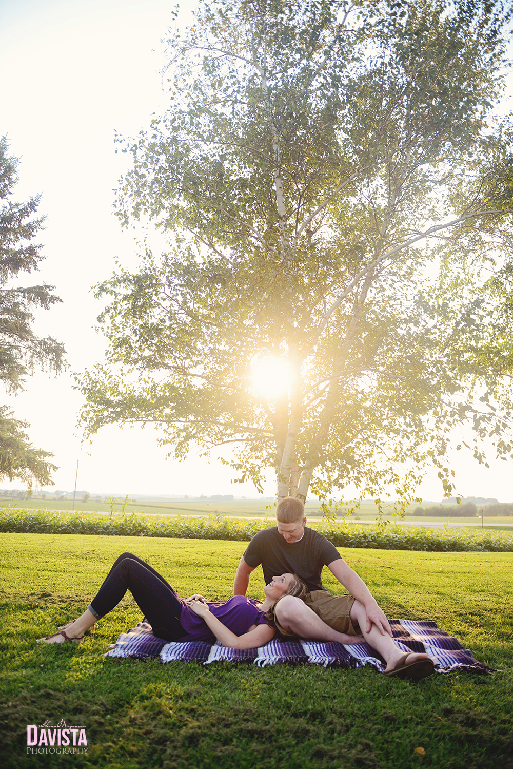 cute engagement photography poses sunset