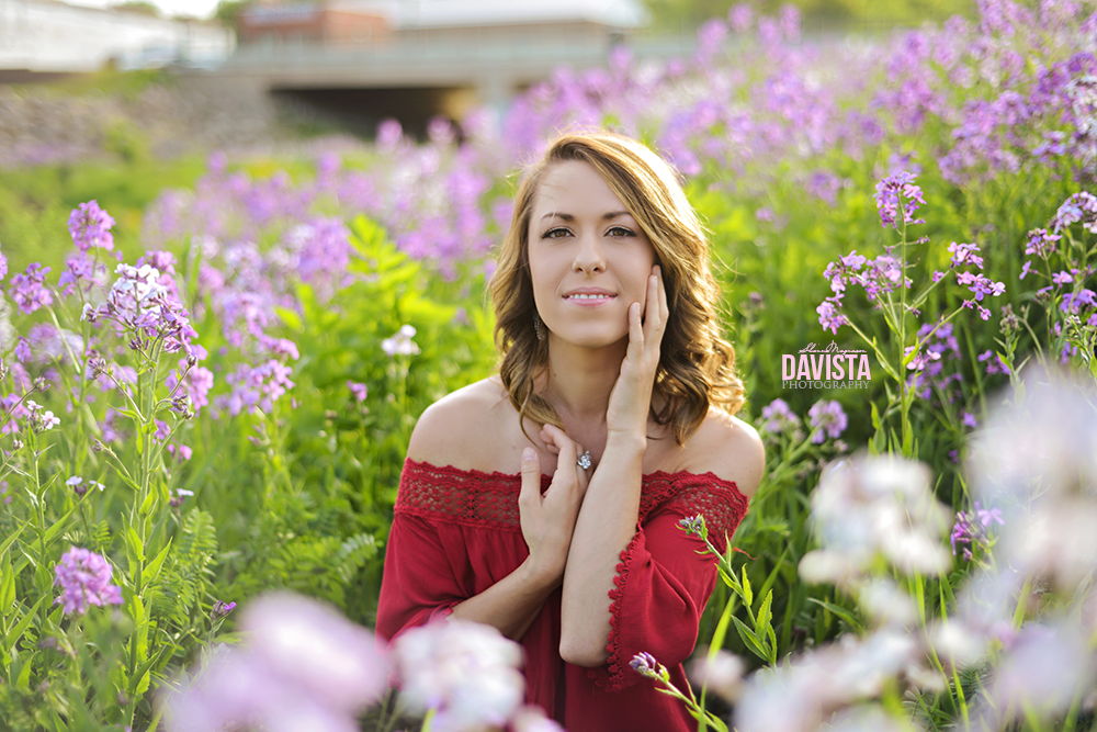 exist in photographs lovely poses for girls in purple flowers