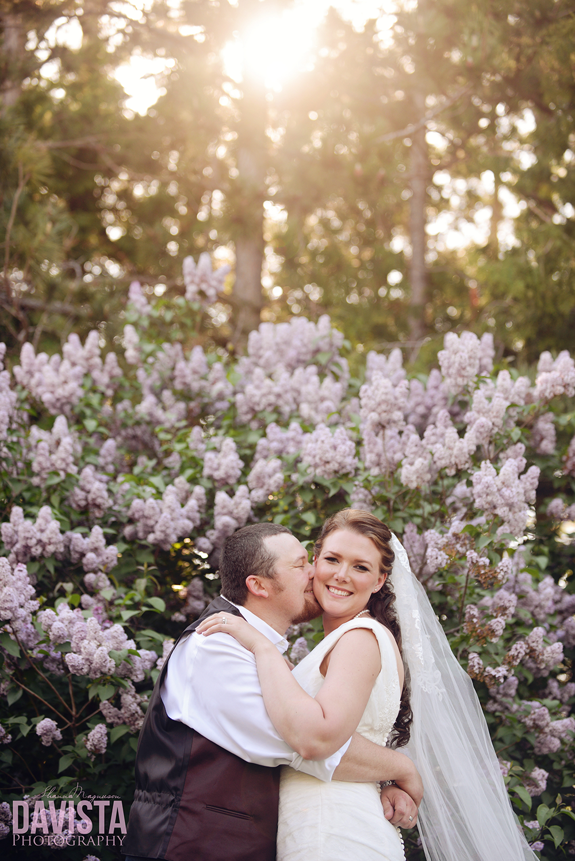 minnesota destination wedding couple outdoors