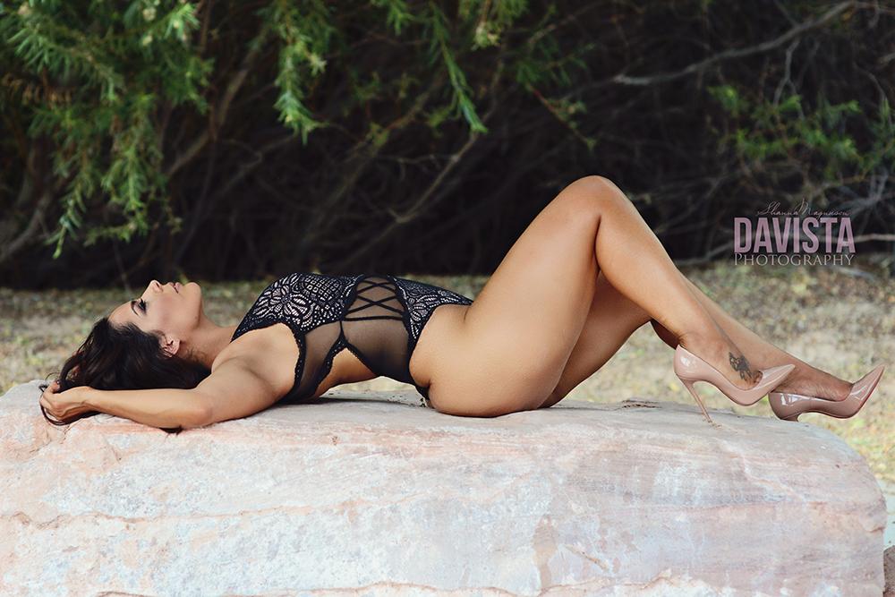 Davista photography outdoor boudoir