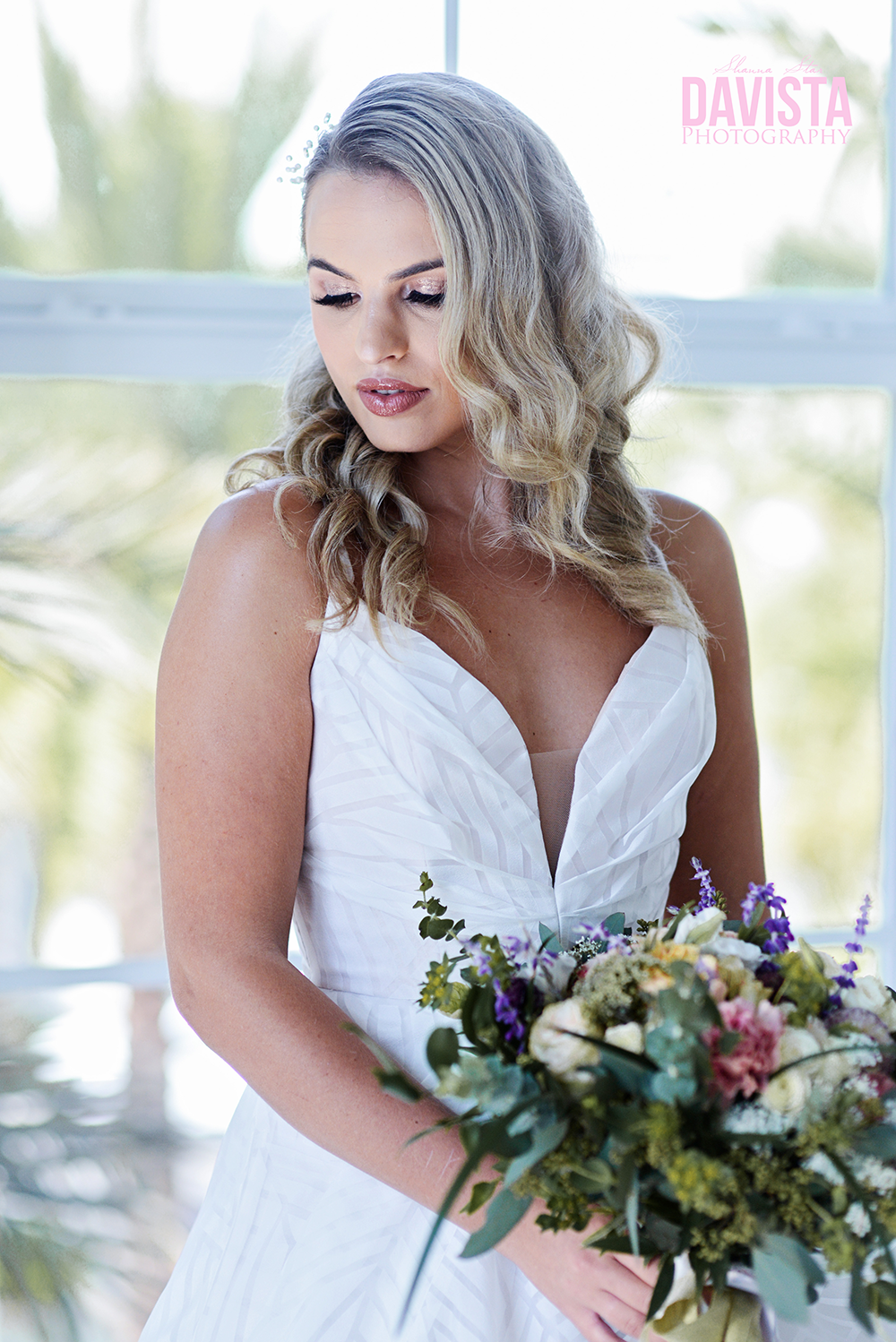 beautiful bride and florals from bella flora 30a