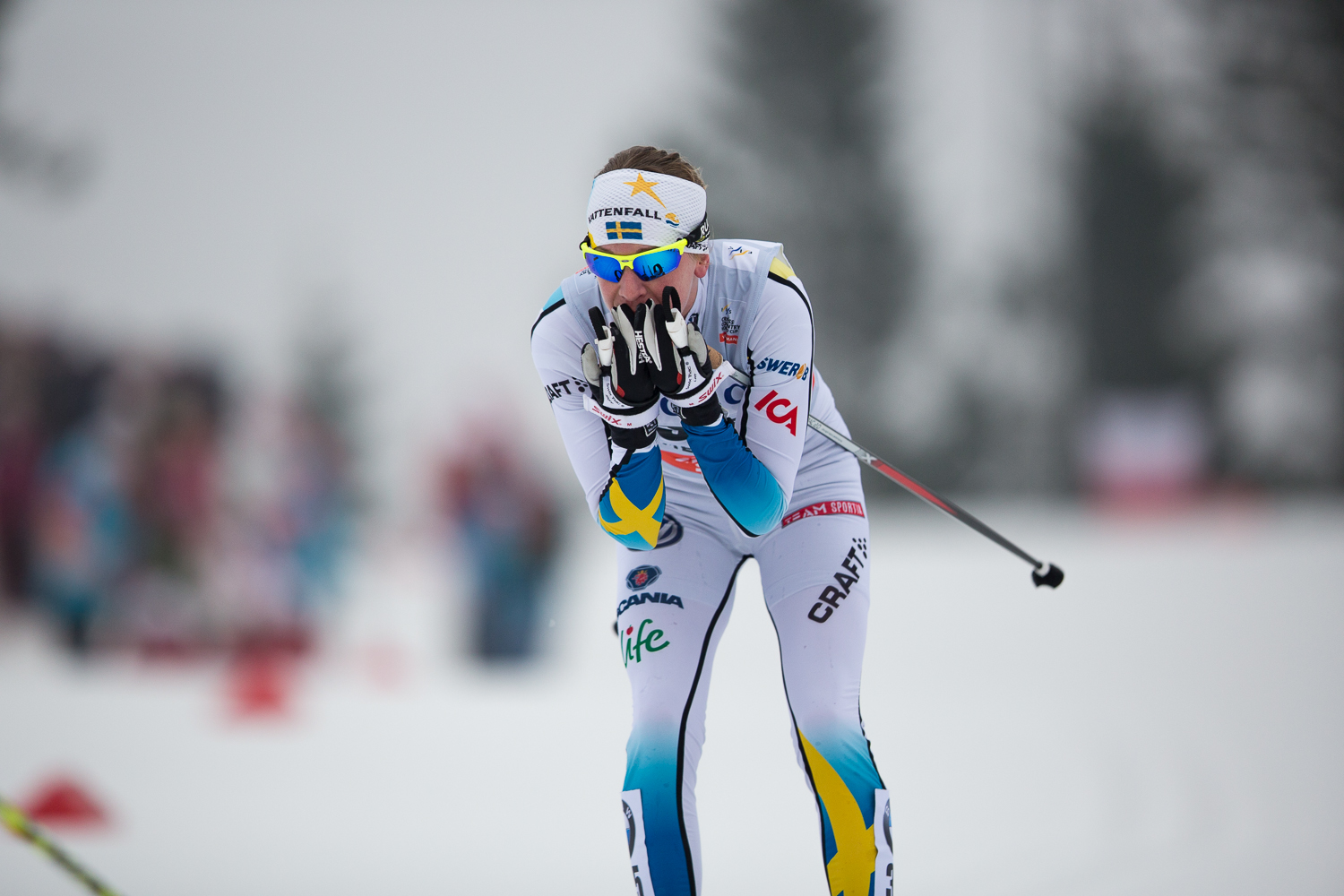 A swedish competitor heads into the Holmenkollen arena.