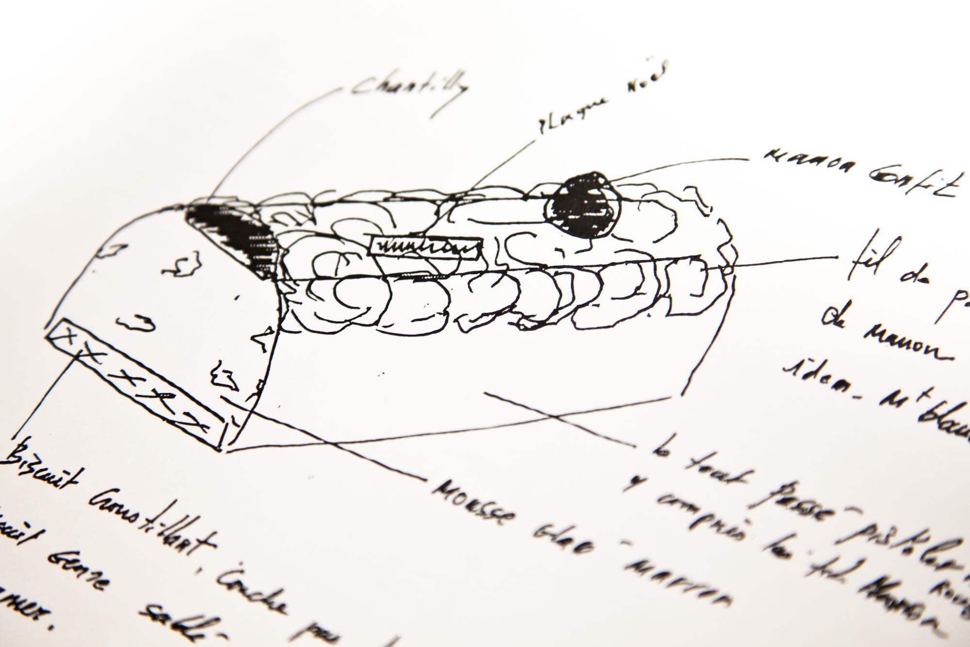 C'est dans ces pages qu'il consigne, comme nombre de ses collègues, les idées et dessins qui lui serviront pour ses prochaines créations. © T.Caron