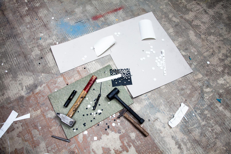 """Outils.  Extraits de commandes des Compagnons du Devoir, autour des projets """" Défi Innover Ensemble """", en partenariat avec l'ENSCI-Les Ateliers, et l'Institut Français de la Mode. ( 2010-2015 )"""