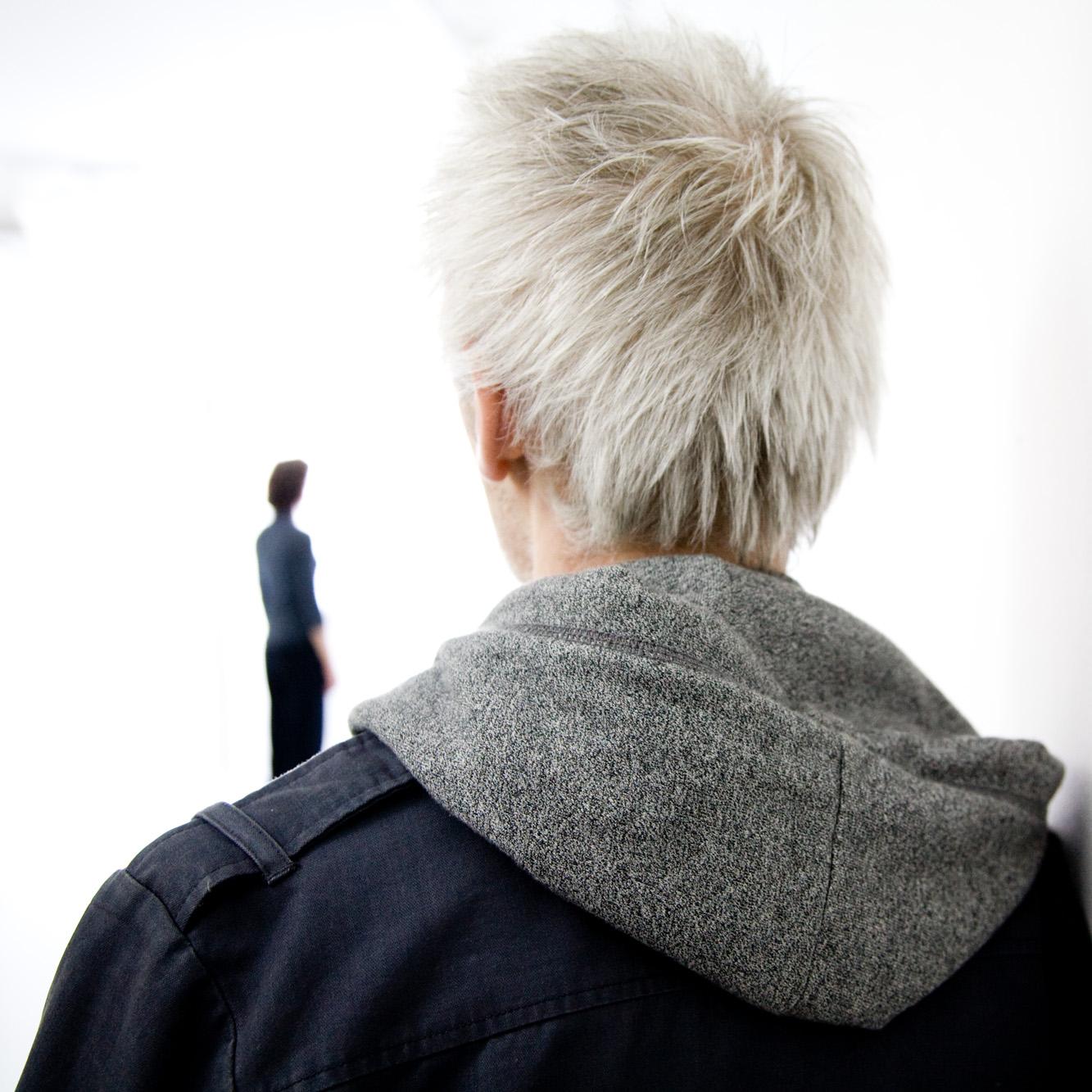 Une exposition chorégraphique.  Commissaire invité : Mathieu Copeland  Centre d'Art Contemporain de La Ferme Du Buisson, Scène Nationale, Noisiel, France, 2008