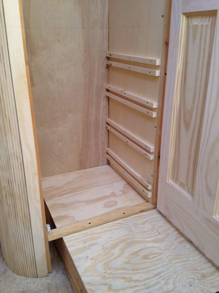 studio-closet-dresser-drawer-assembly-2-600px.jpg