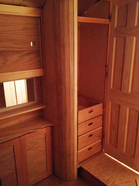 studio-closet-dresser-drawer-assembly-6-600px.jpg