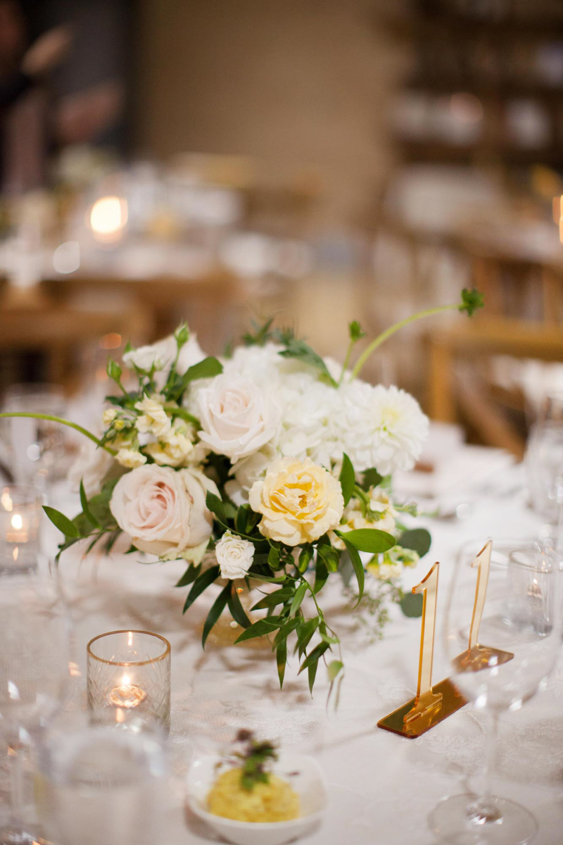 vineyard-bride-niagara-wedding-vendor-nataschia-wielink-photography-hare-wine-co035.jpg