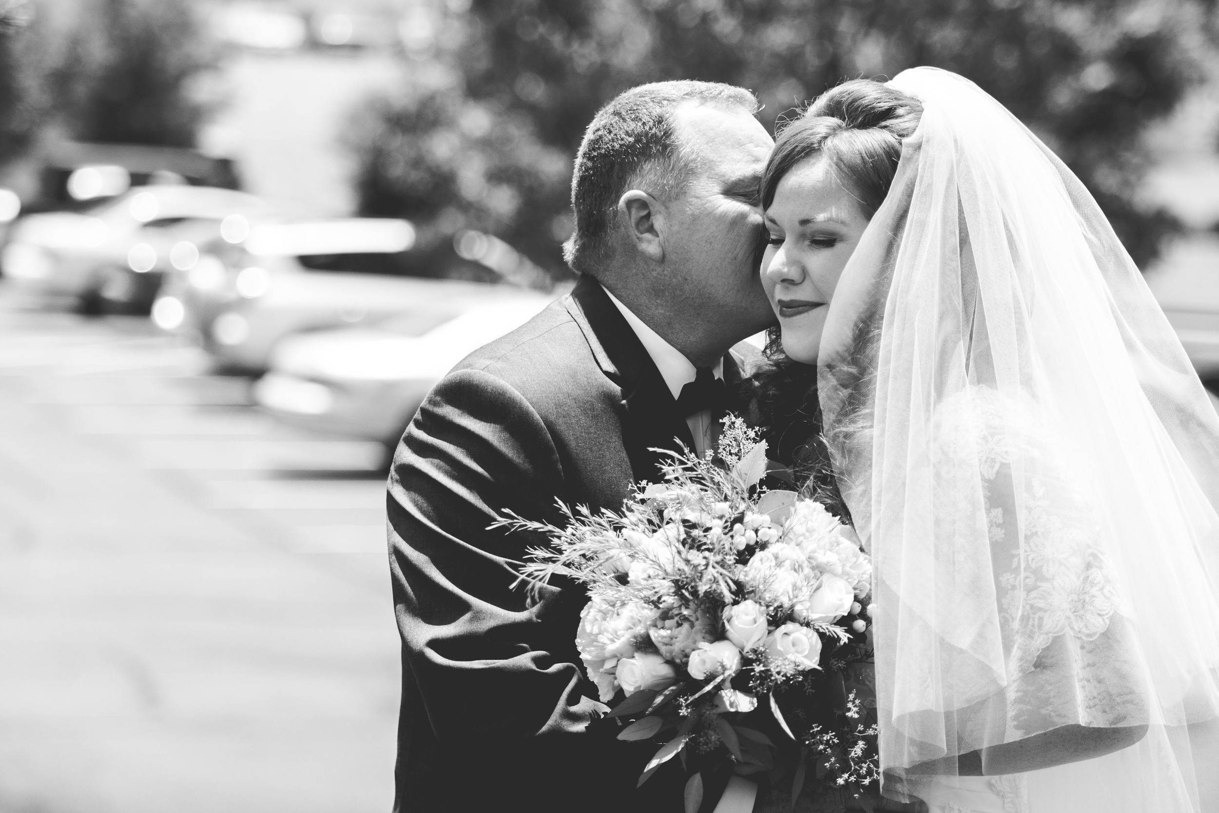 Jessica had a first look with her dad, Eric. It was one of the sweetest moments I have ever photographed.