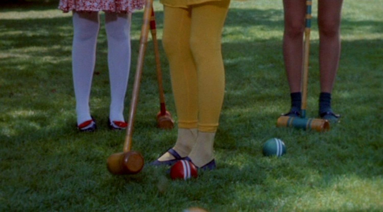 Heathers_tights-leggings_cap-001.jpg