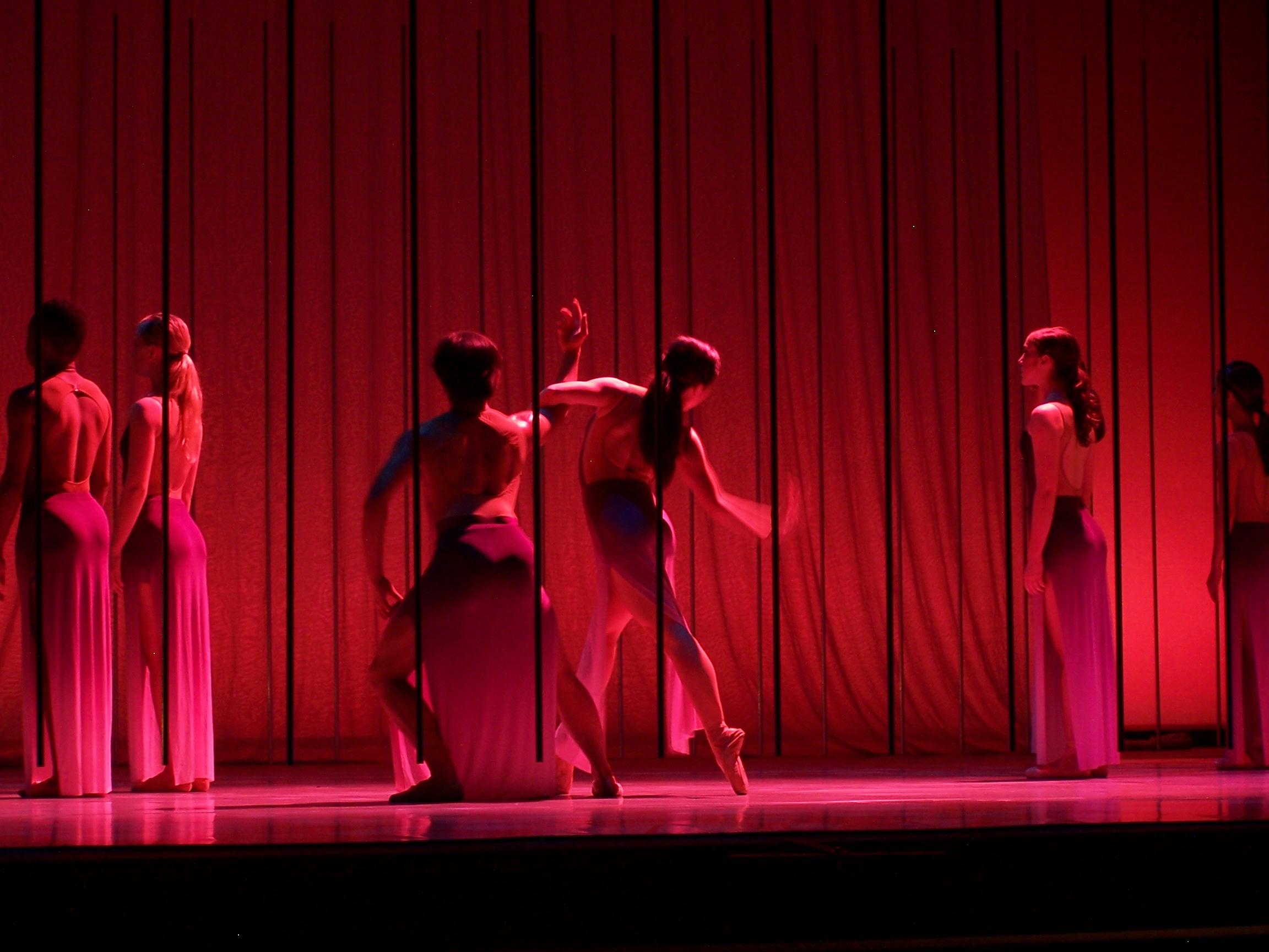 andybroomell-scenic-design-dance-mz-5.JPG