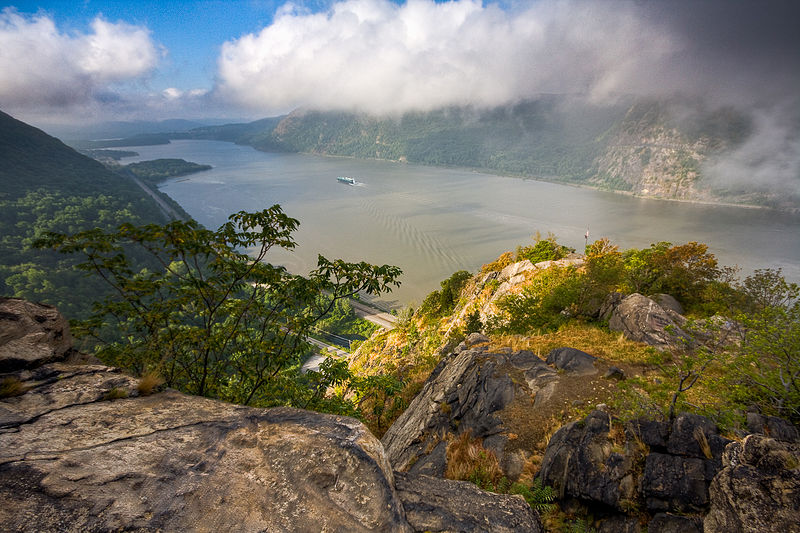 Hudson River Valley from the Breakneck Ridge,    Photo by Jeffrey Pang