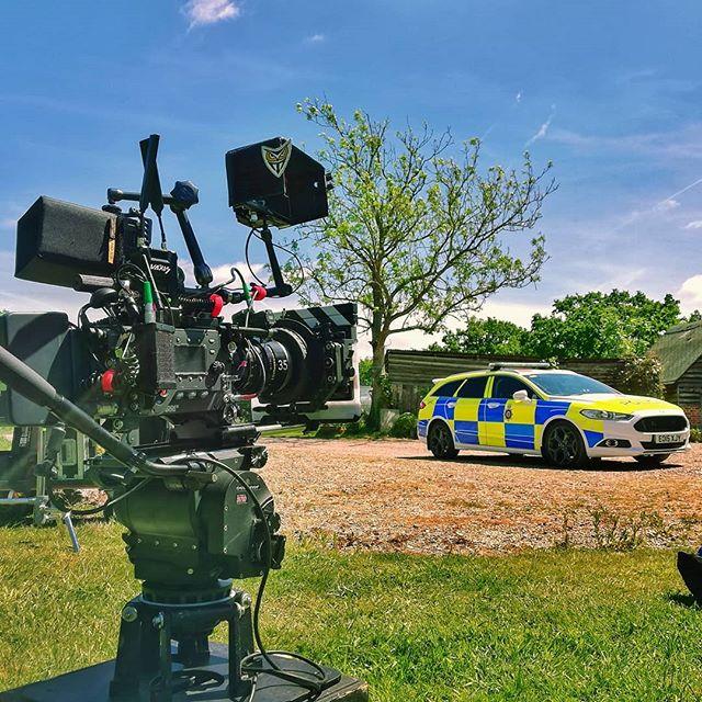 What a lovely day to film exteriors  #setlife #focuspuller #1stac #cameradept #lunchbreak #arri #alexa #schneider #tvlogic #vaxiswireless #tyrell