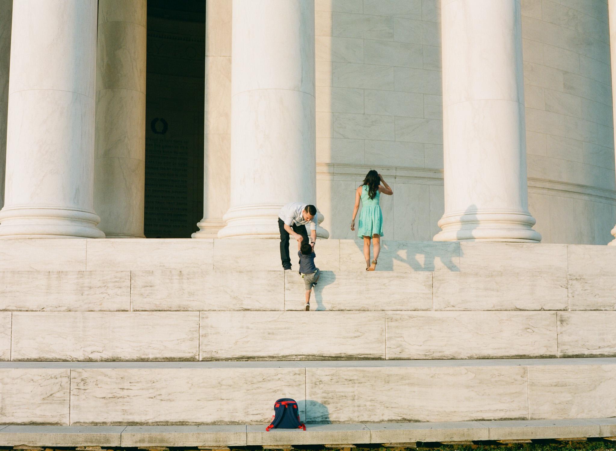 Jefferson-Memorial-Portrait-Photographer-12.jpg