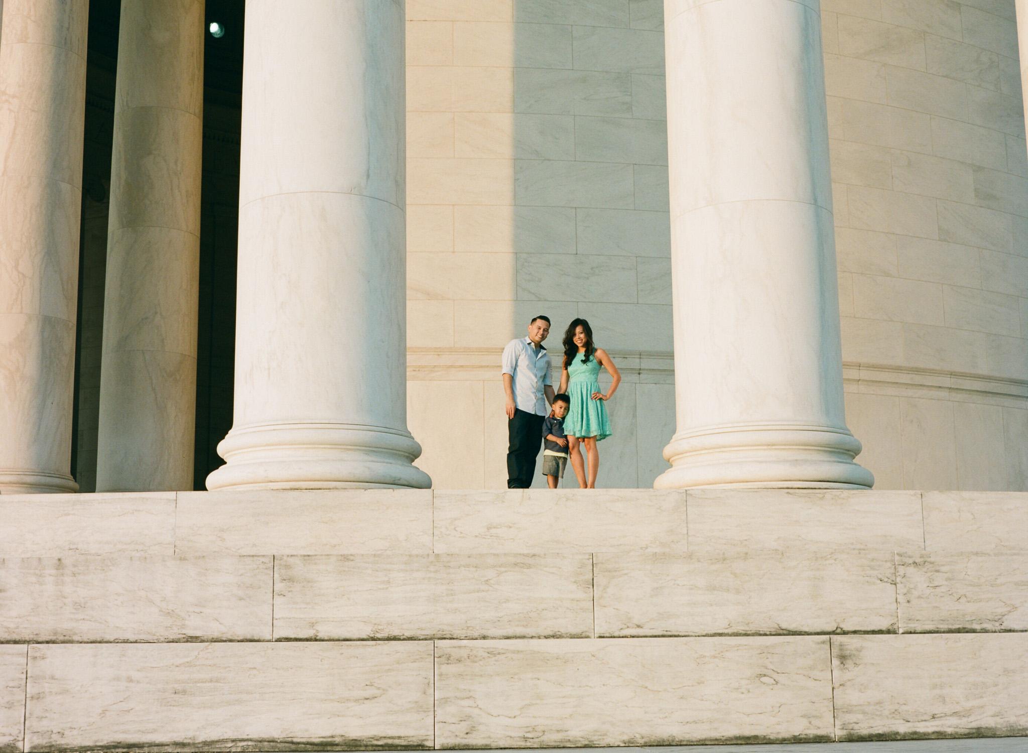 Jefferson-Memorial-Portrait-Photographer-22.jpg