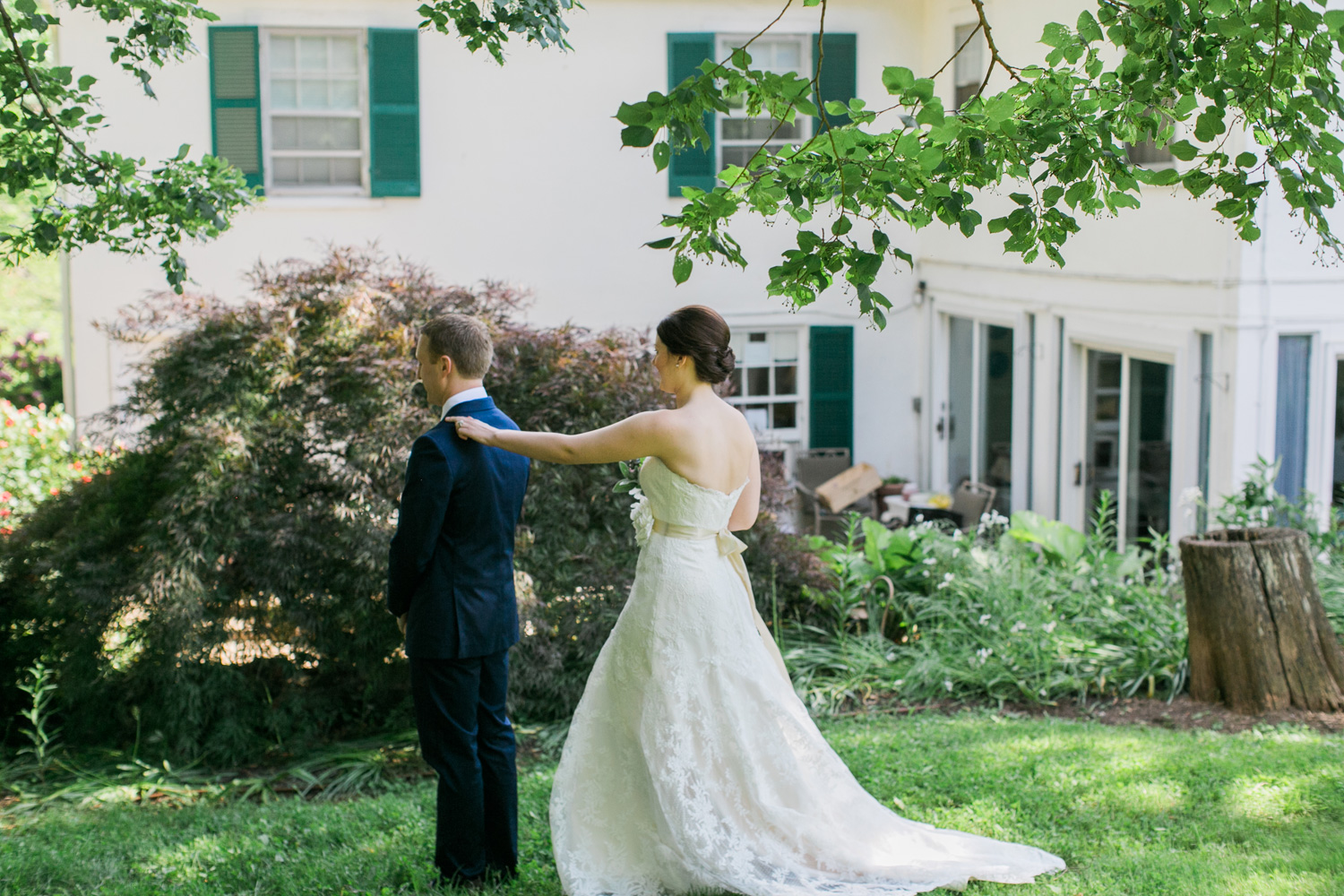 032-bride-and-groom-first-look-at-briar-patch-middleburg-virginia.jpg