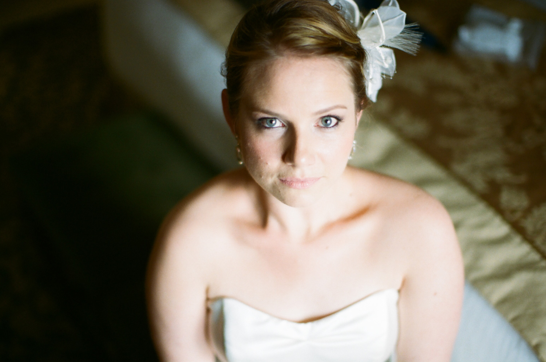 283-bride-getting-ready.jpg