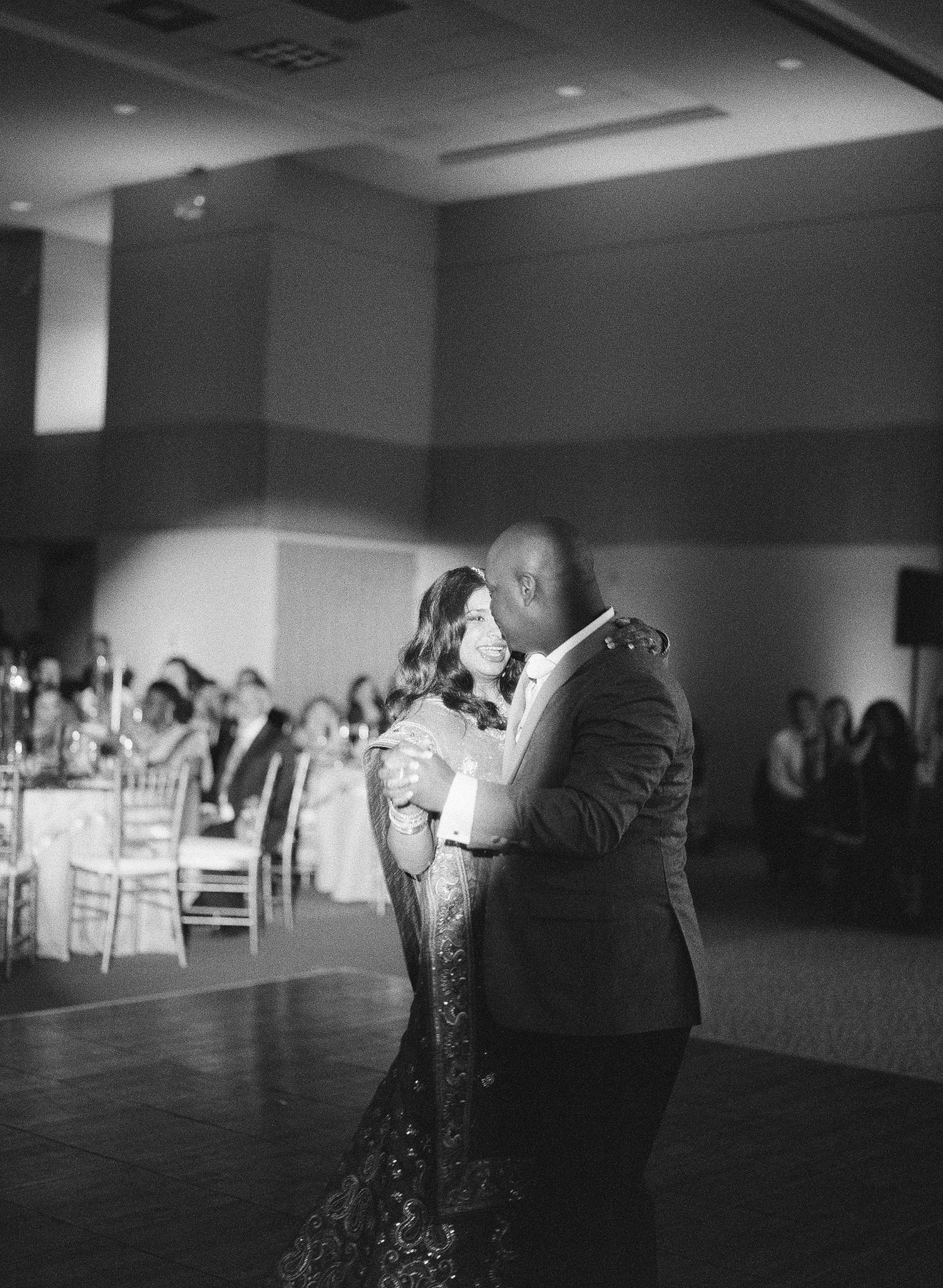 489-first-dance-indiain-wedding.jpg