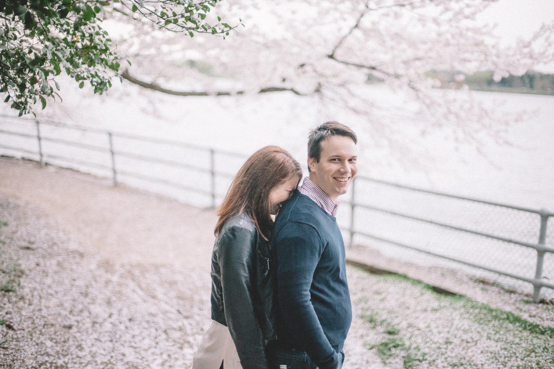 574-cherry-blossoms-engagement-photographer-tidal-basin.jpg