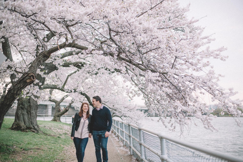 571-cherry-blossoms-engagement-photographer-tidal-basin.jpg