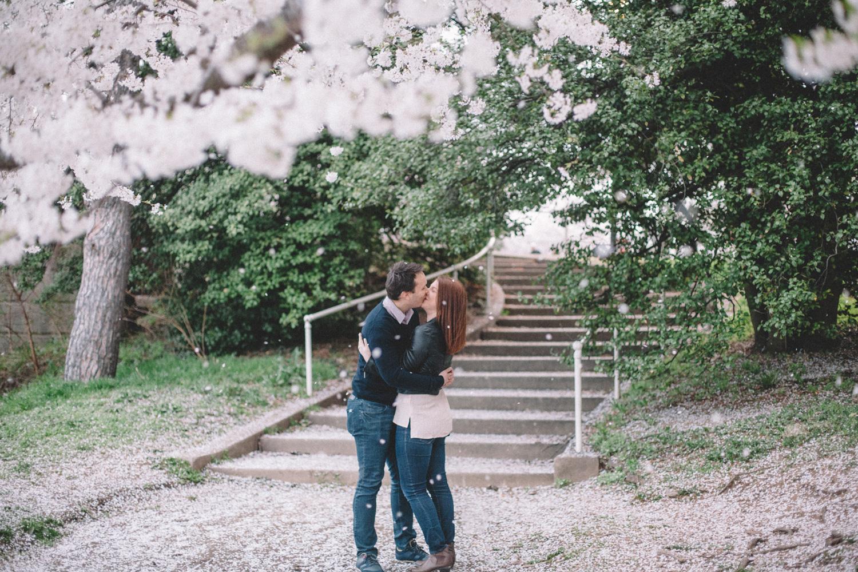 570-cherry-blossoms-engagement-photographer-tidal-basin.jpg