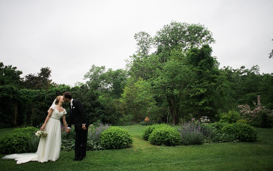 021-leesburg-virginia-farm-wedding-photographer.jpg