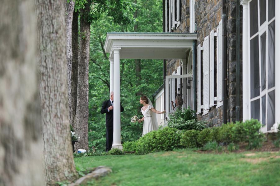 024-leesburg-virginia-farm-wedding-photographer.jpg