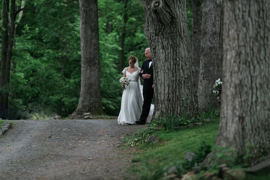 026-leesburg-virginia-farm-wedding-photographer.jpg