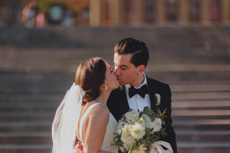 524-philadelphia-musuem-of-art-wedding-photographer.jpg