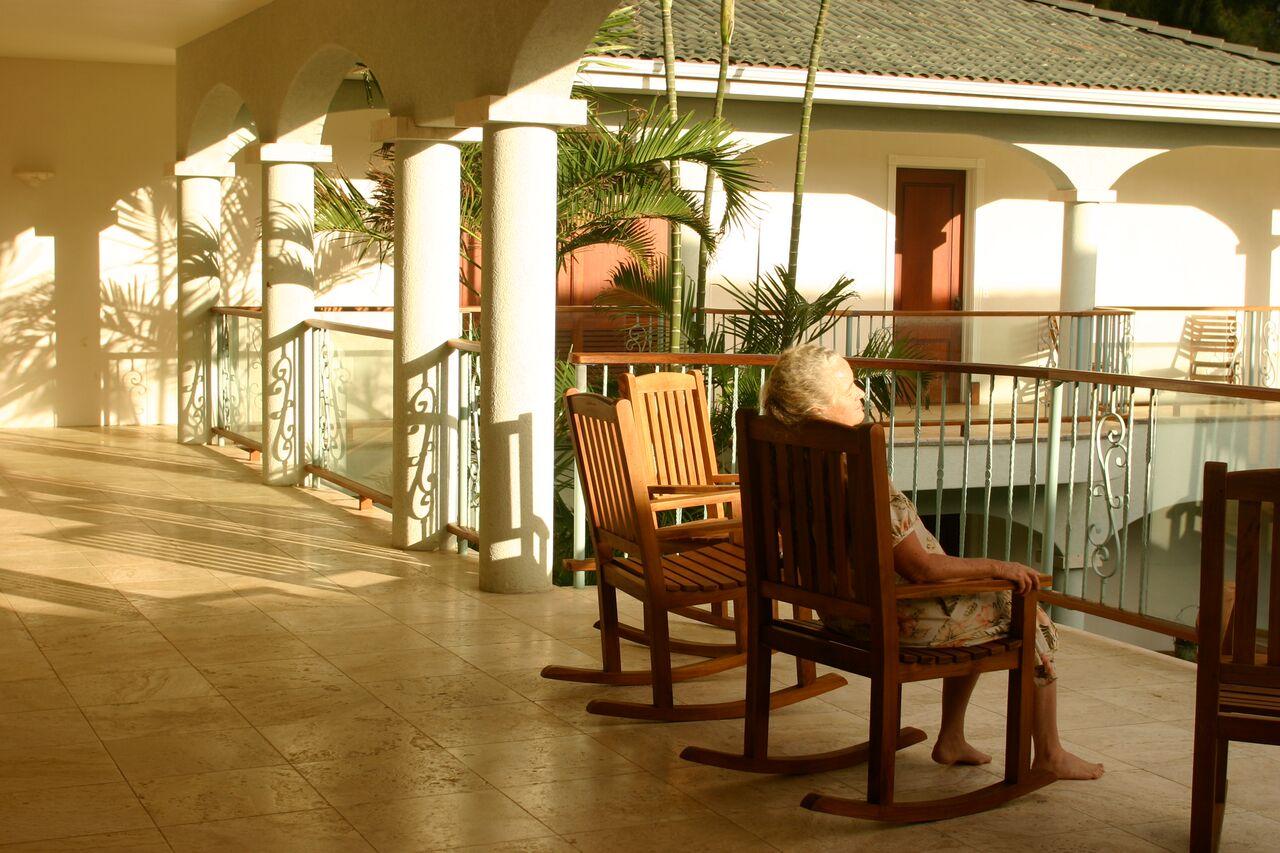 HIR rocking chair relaxation big island .jpg