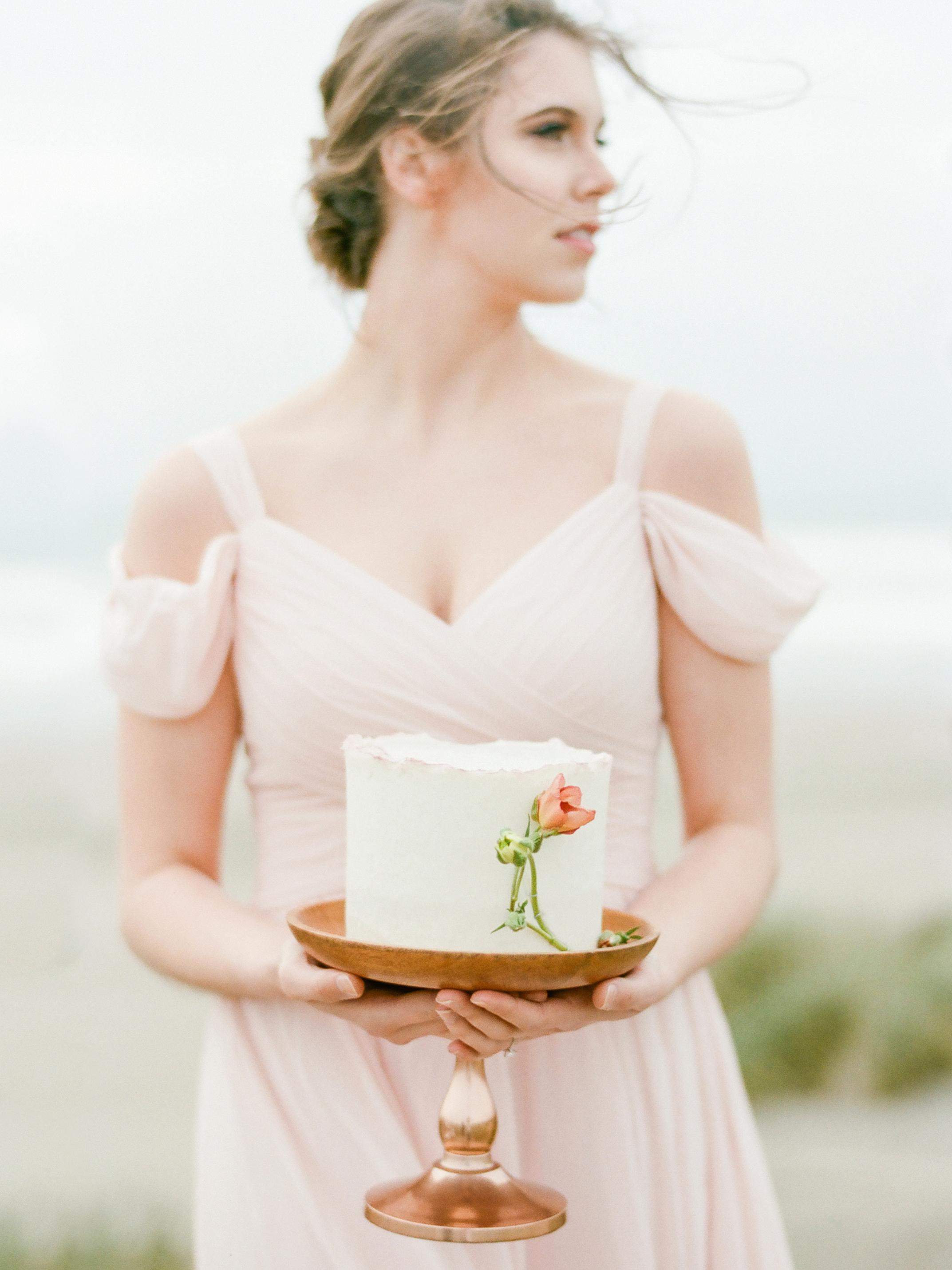 Muave wedding cake ideas