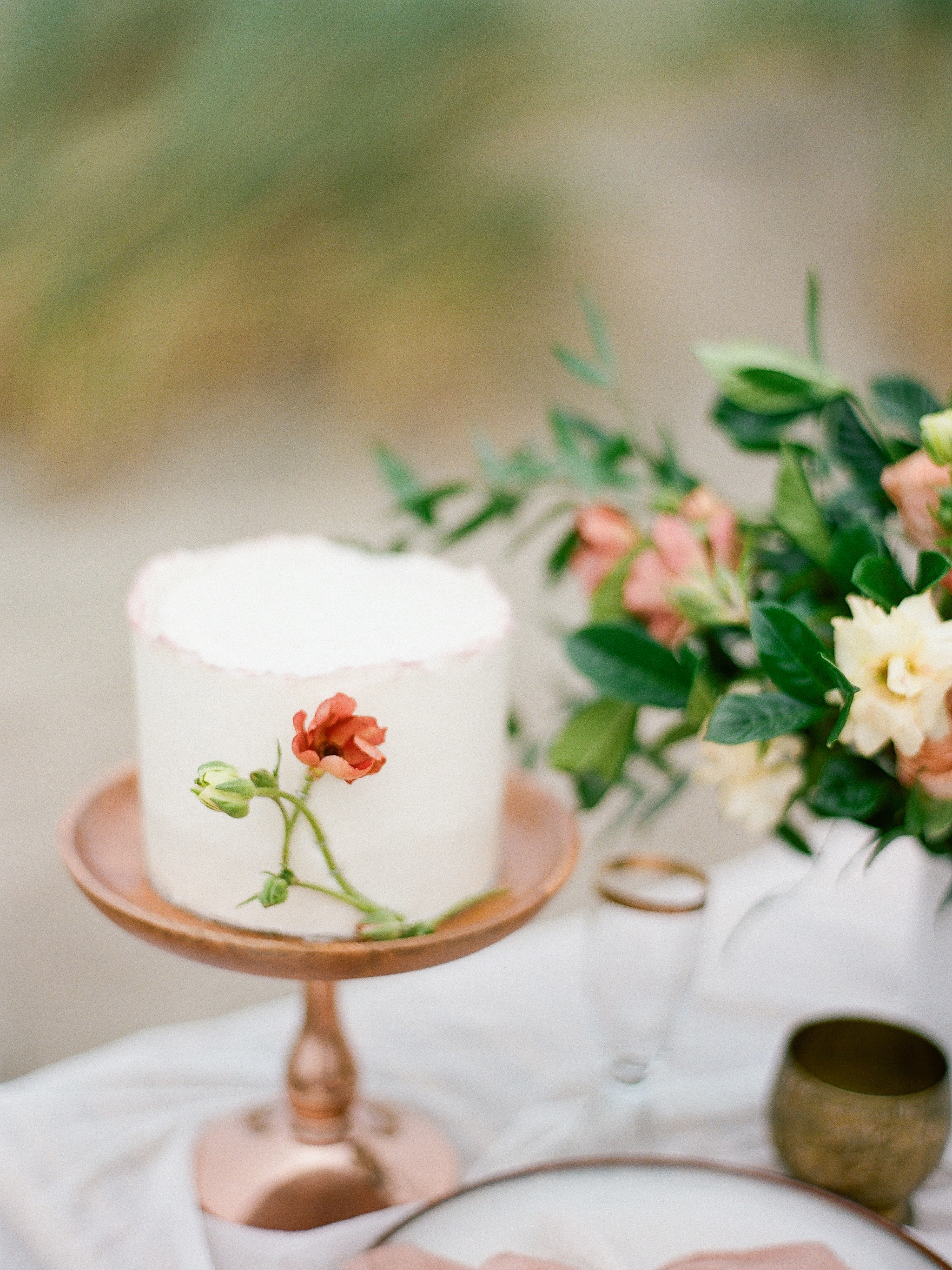 Muave simple wedding cake