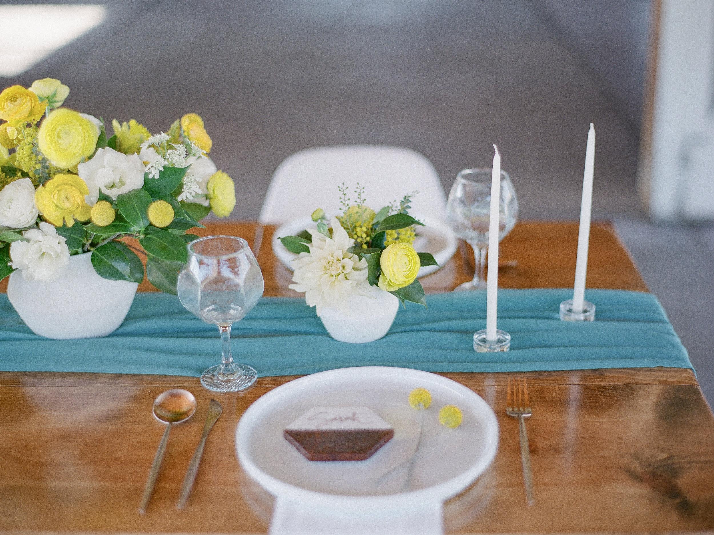 table decoration mid century modern wedding